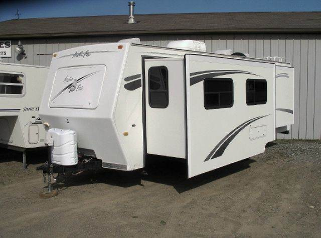 2005 Arctic Fox 4 season 29V double slideout  - Springville NY