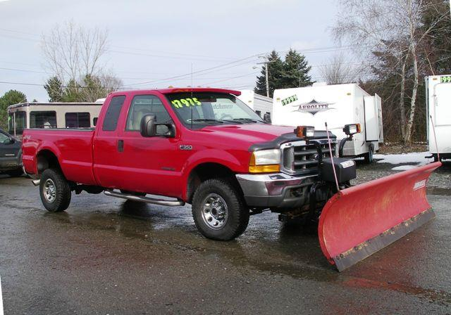 2000 Ford F350 LARIAT 4X4 with 9' PLOW - Springville NY