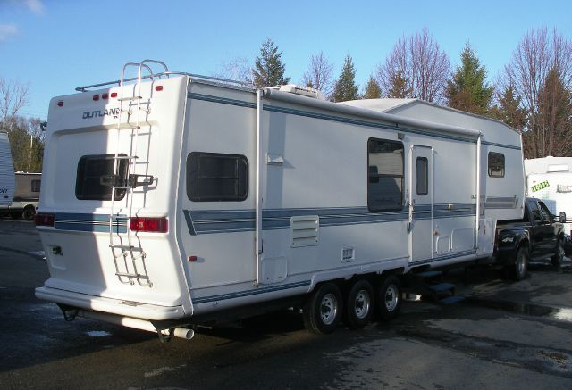 1995 34' Outland Skyline 3455 Two SlideOuts 5th/wh  - Springville NY