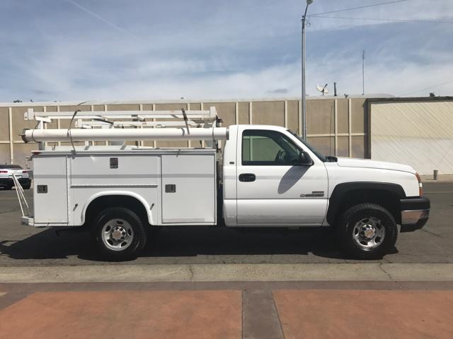 2005 Chevrolet Silverado 2500HD Regular Cab Utility Truck 8 ft. Bed - Tulare CA