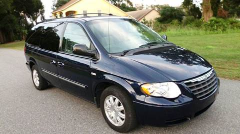 2005 Chrysler Town and Country for sale in Orlando, FL