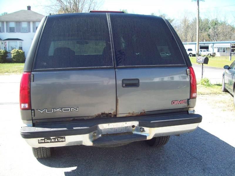 1999 GMC Yukon SLT 4dr 4WD SUV - Milford NH