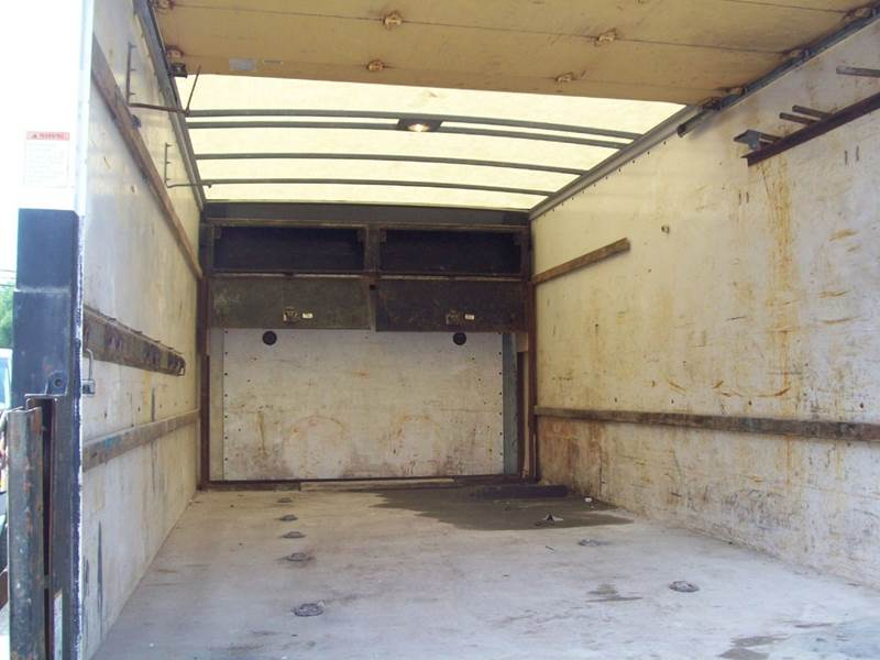 2008 GMC Savana Cutaway  - Milford NH