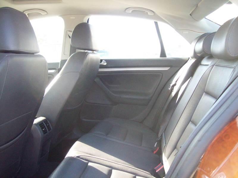 2007 Volkswagen Jetta Wolfsburg Edition PZEV 4dr Sedan (2.5L I5 5M) - Milford NH