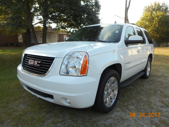 2007 GMC YUKON SLT 4DR SUV W4SB W 2 PACKAGE white popular family suv  loaded with equipment inc