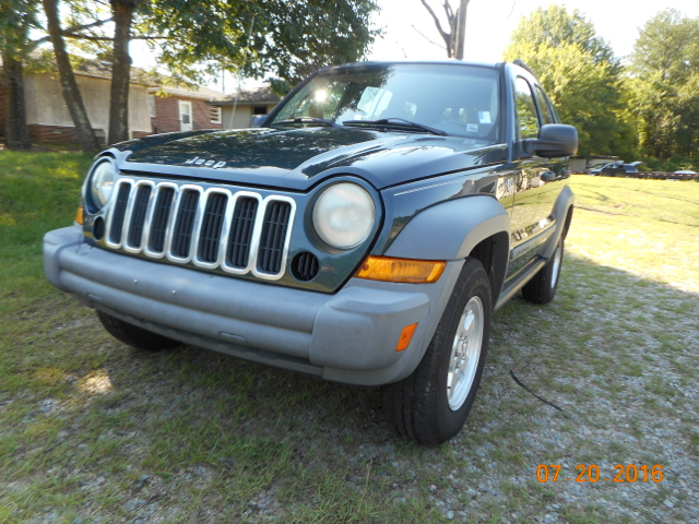 2006 JEEP LIBERTY SPORT 4DR SUV 4WD green locally own 4x4 well maintained ready to go and pric