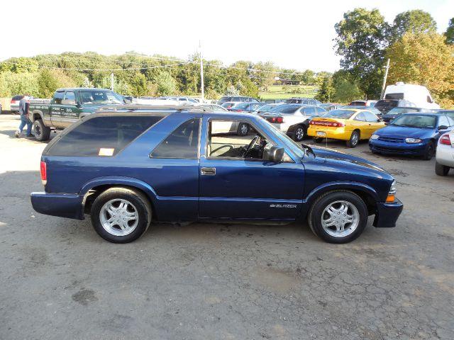 2001 Chevrolet Blazer LS 2-Door Xtreme - Ruffs Dale PA