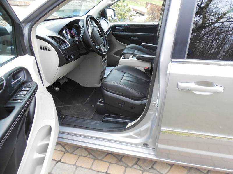 2014 Chrysler Town and Country Touring 4dr Mini-Van - Ruffs Dale PA