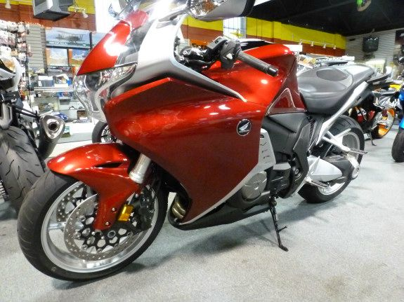 2010 Honda VFR1200AA