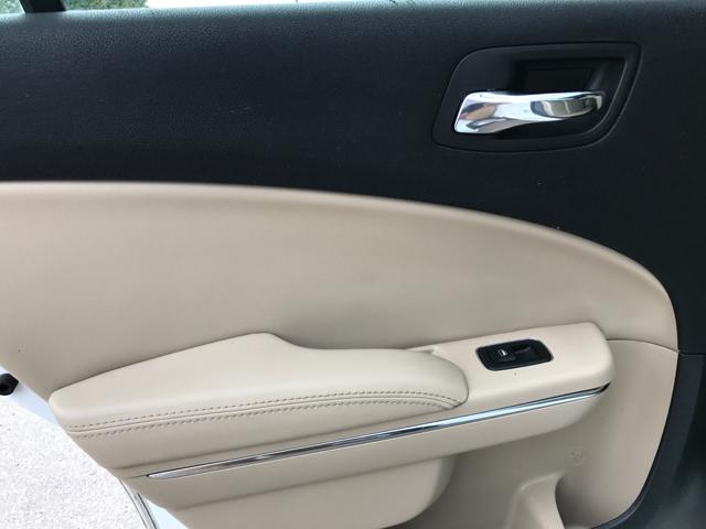 2013 Dodge Charger SE 4dr Sedan - Nashville TN