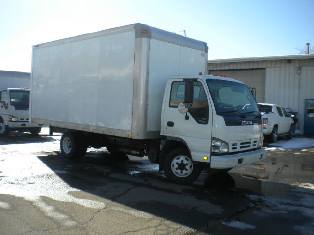 2006 Isuzu NPR for sale in Hartford CT