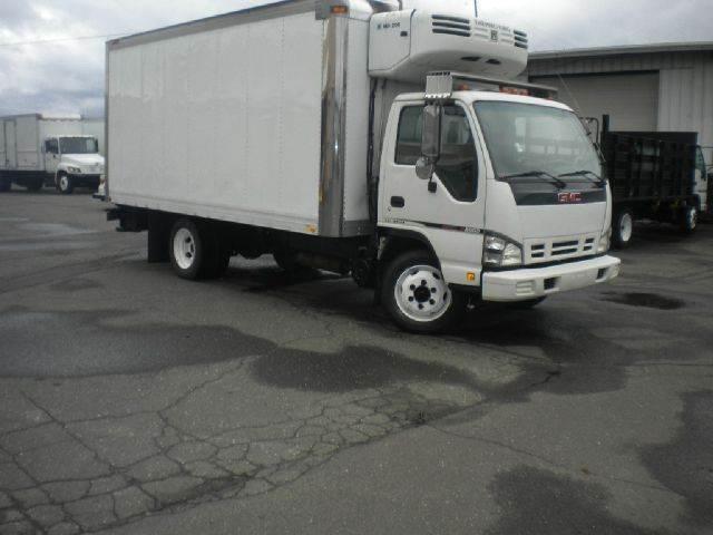 2006 GMC W5500