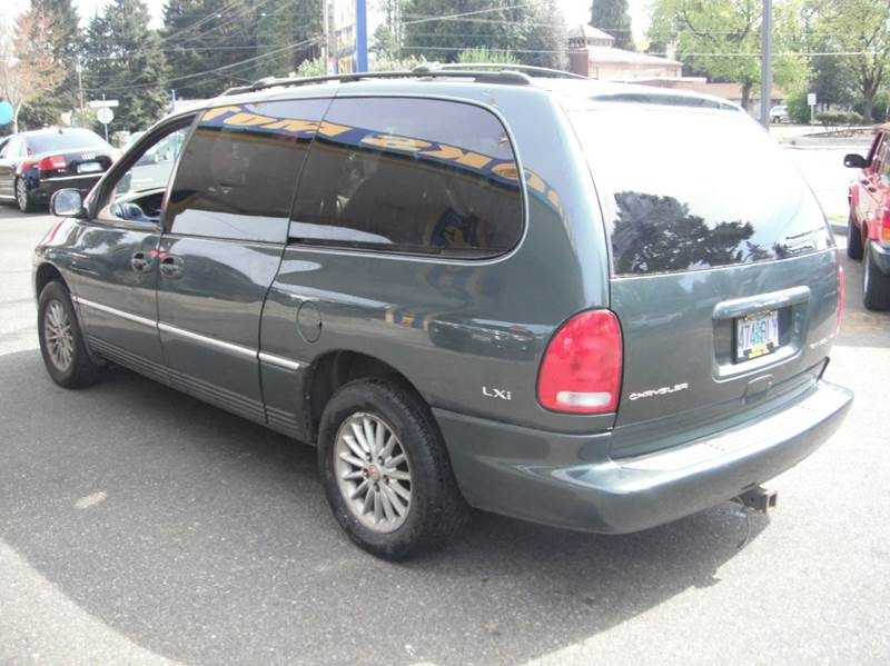 2000 chrysler town and country awd 4dr lxi extended mini van in milwaukie or brooks motor. Black Bedroom Furniture Sets. Home Design Ideas