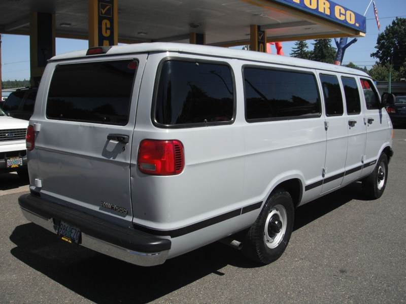 1999 dodge ram wagon 3500 maxi 3dr extended passenger van in milwaukie or brooks motor company inc. Black Bedroom Furniture Sets. Home Design Ideas