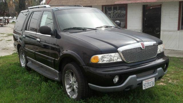 2000 Lincoln Navigator 4WD - Beaumont CA