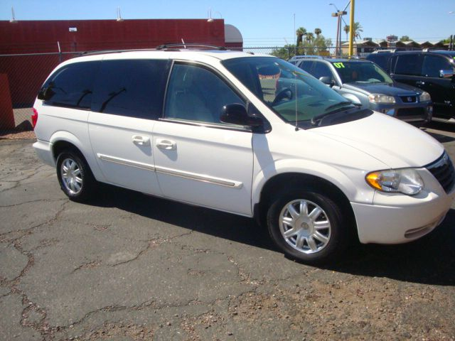 2006 Chrysler Town and Country for sale in Mesa AZ