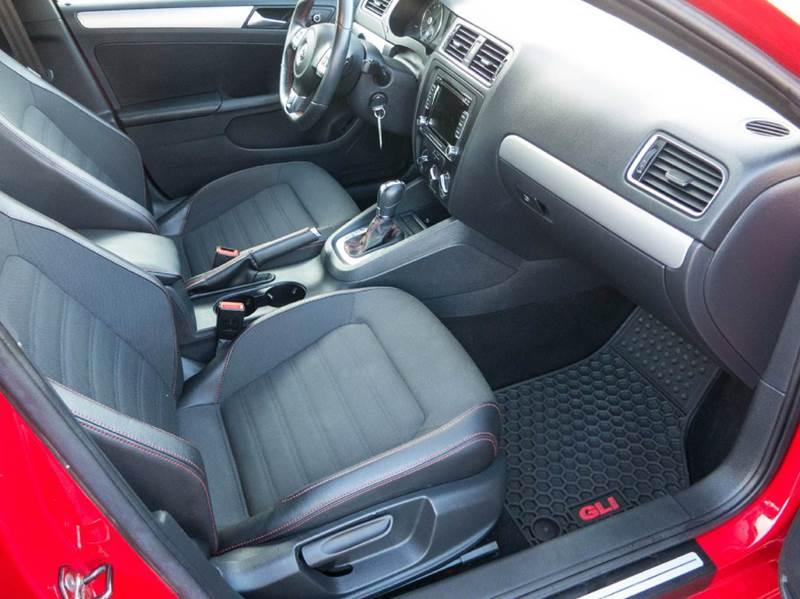 2012 Volkswagen Jetta GLI 4dr Sedan 6A - Dubuque IA
