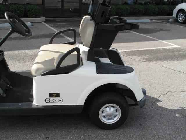 2011 E-Z-GO RXV