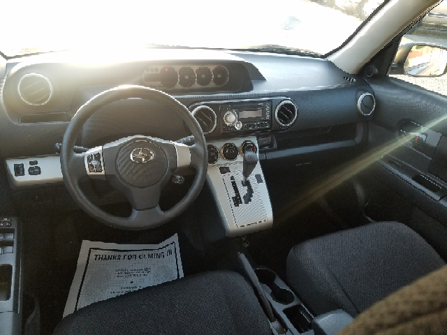 2010 Scion xB 4dr Wagon 4A - Gladewater TX