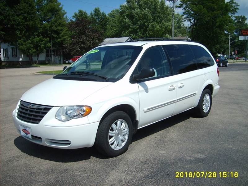 2006 chrysler town and country touring 4dr extended mini van in new london wi north port motors ii. Black Bedroom Furniture Sets. Home Design Ideas
