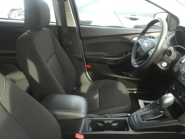 2015 Ford Focus SE 4dr Hatchback - Elizabethton TN