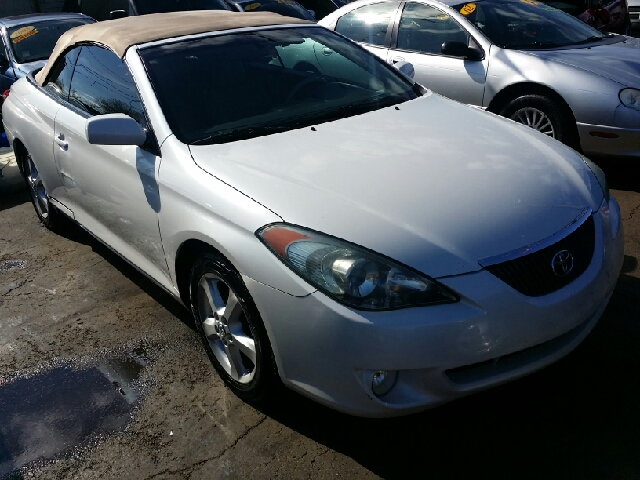 2006 toyota camry solara sle v6 2dr convertible in chicago. Black Bedroom Furniture Sets. Home Design Ideas