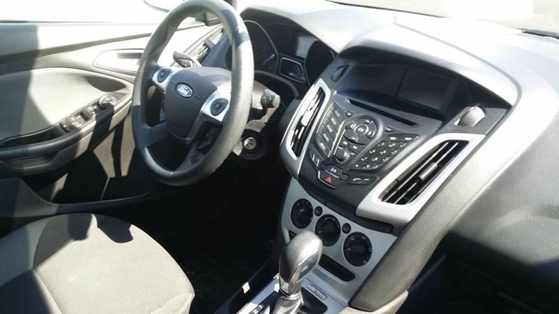 2013 Ford Focus SE 4dr Sedan - West Union OH