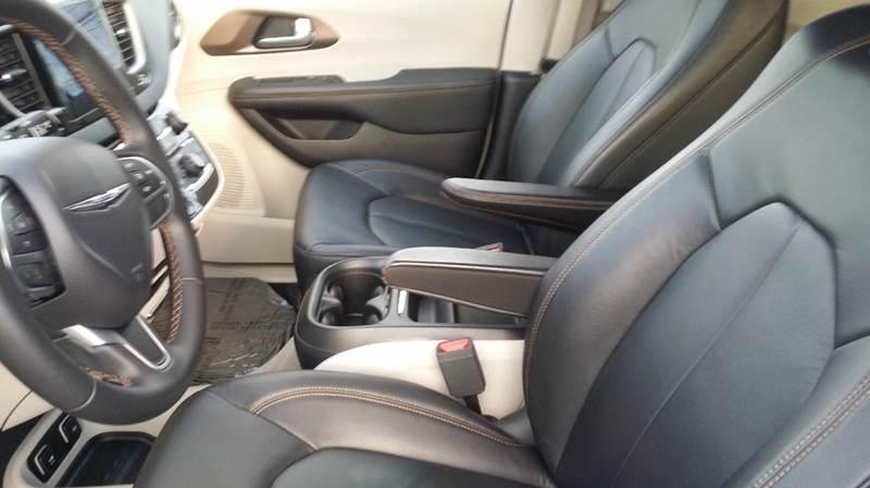 2017 Chrysler Pacifica Touring-L 4dr Mini-Van - West Union OH