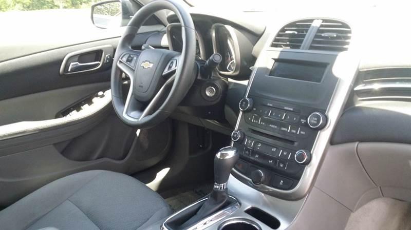 2015 Chevrolet Malibu LS 4dr Sedan - West Union OH
