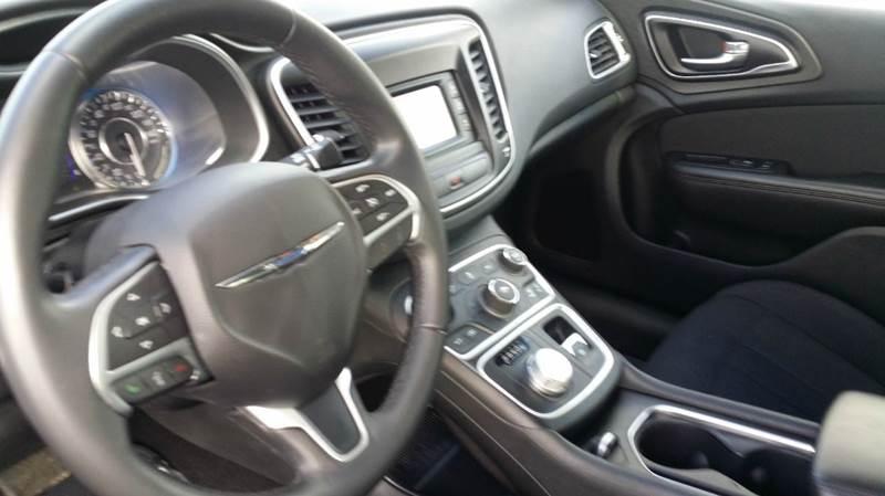 2015 Chrysler 200 Limited 4dr Sedan - West Union OH