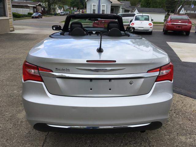 2011 Chrysler 200 Convertible Touring 2dr Convertible - Logan OH