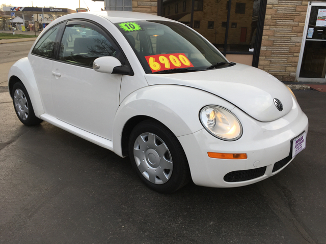 2010 Volkswagen New Beetle 2dr Hatchback 6A - Logan OH