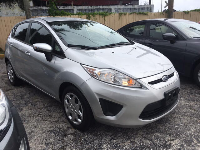 2013 ford fiesta se 4dr hatchback in hialeah fl barbara. Black Bedroom Furniture Sets. Home Design Ideas