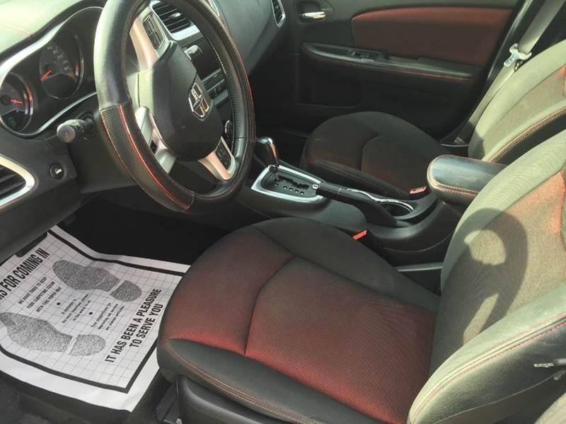 2011 Dodge Avenger Heat 4dr Sedan - Kansas City MO