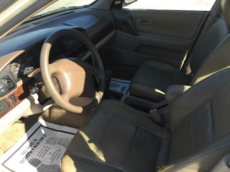 1997 Nissan Altima GXE 4dr Sedan - Kansas City MO
