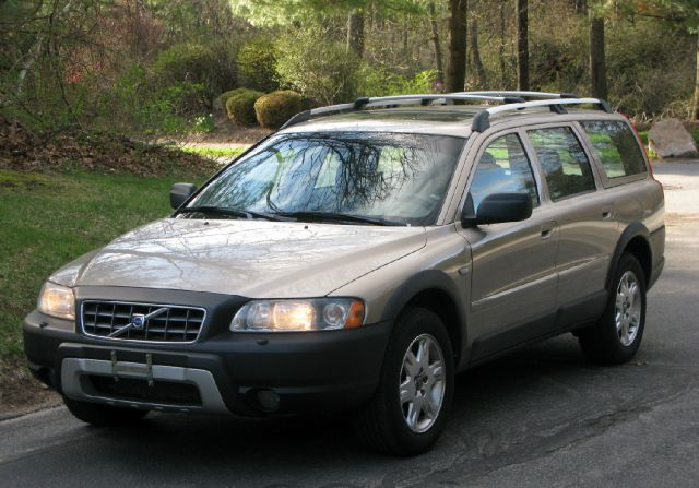 used 2005 volvo xc70 for sale. Black Bedroom Furniture Sets. Home Design Ideas