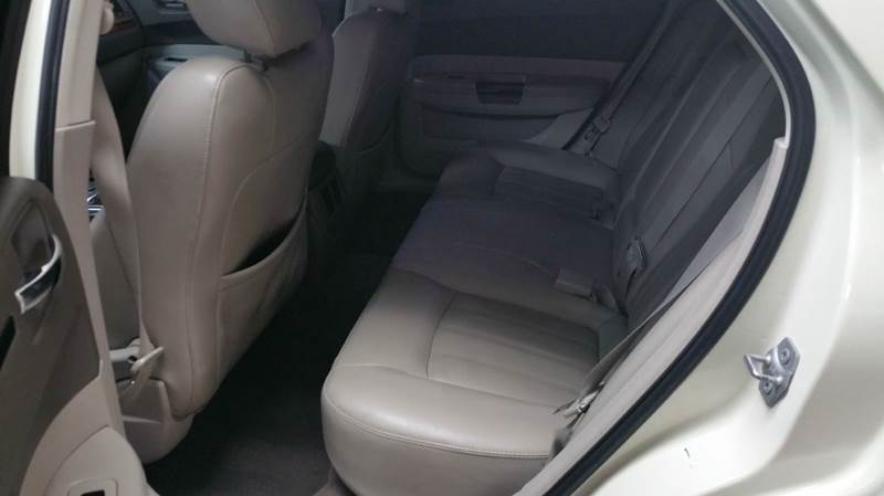 2009 Chrysler 300 C HEMI 4dr Sedan - Schaumburg IL
