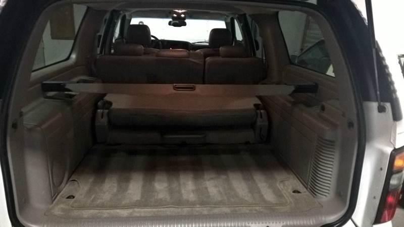 2005 GMC Yukon XL 1500 SLE 4WD 4dr SUV - Schaumburg IL
