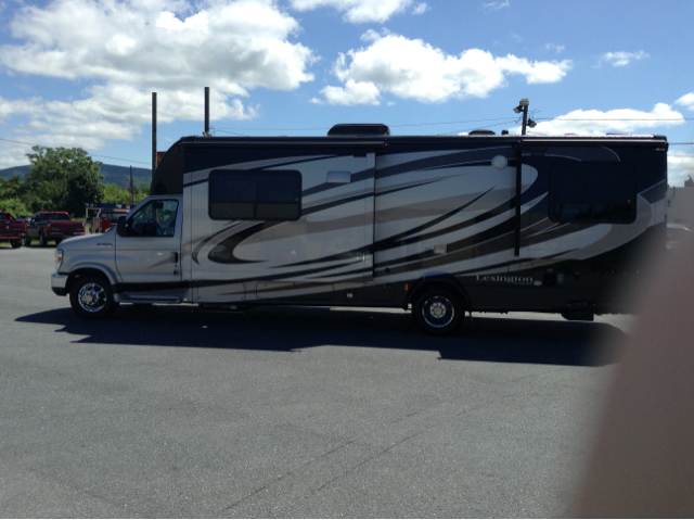 2012 Ford FOREST RIVER BY LEXINGTON