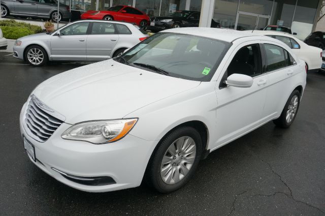 2013 Chrysler 200 for sale in Hayward CA