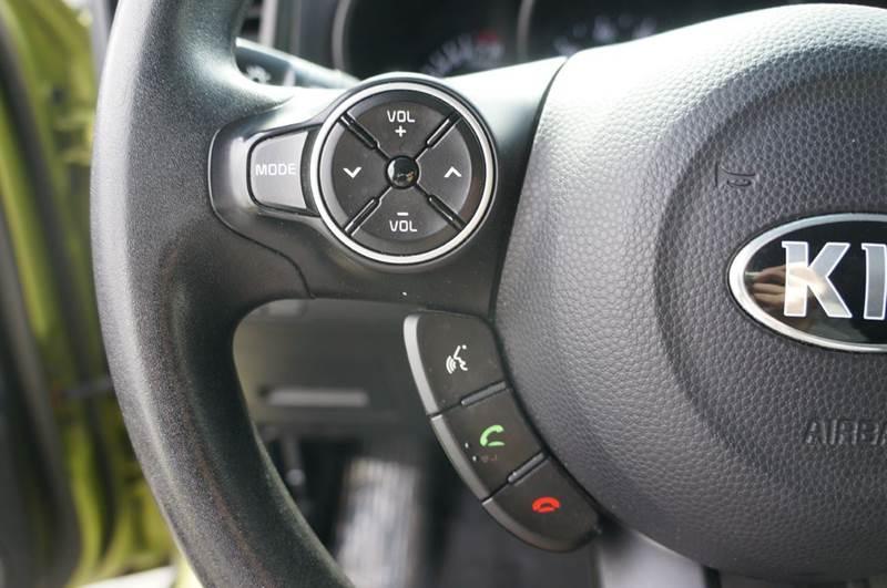 2015 Kia Soul + 4dr Wagon - Hayward CA