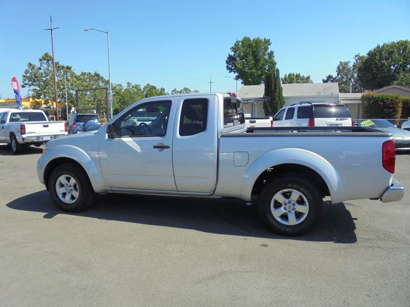 2012 Nissan Frontier 4x2 Sv V6 4dr King Cab Pickup 5a In