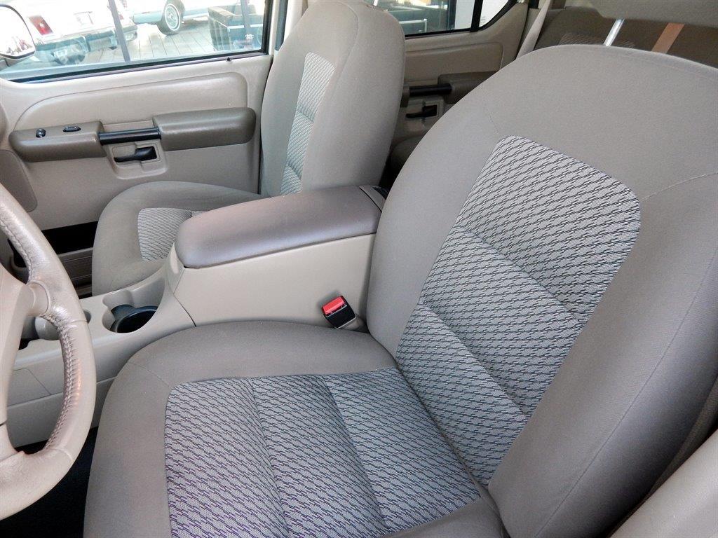 2003 Ford Explorer Sport Trac 4dr XLT 4WD Crew Cab SB - Kansas City MO