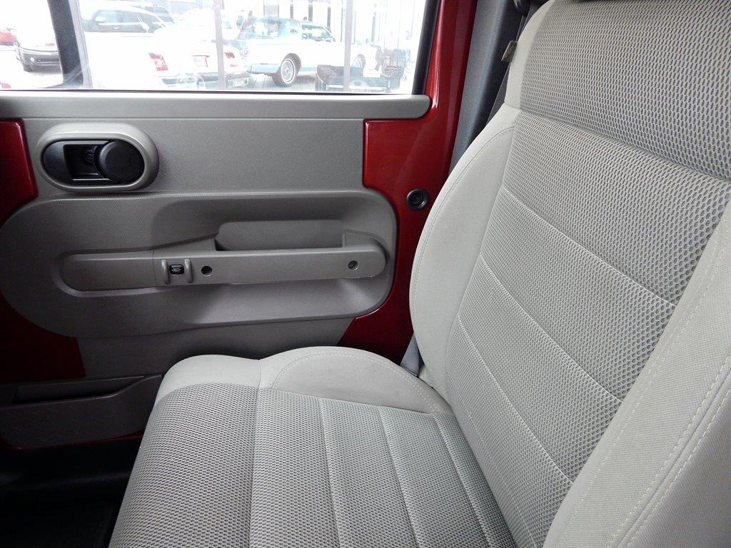 2007 Jeep Wrangler Unlimited 4x4 Sahara 4dr SUV - Kansas City MO