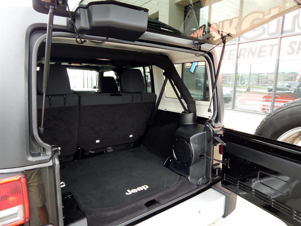 2012 Jeep Wrangler Unlimited Unlimited Sahara - Kansas City MO