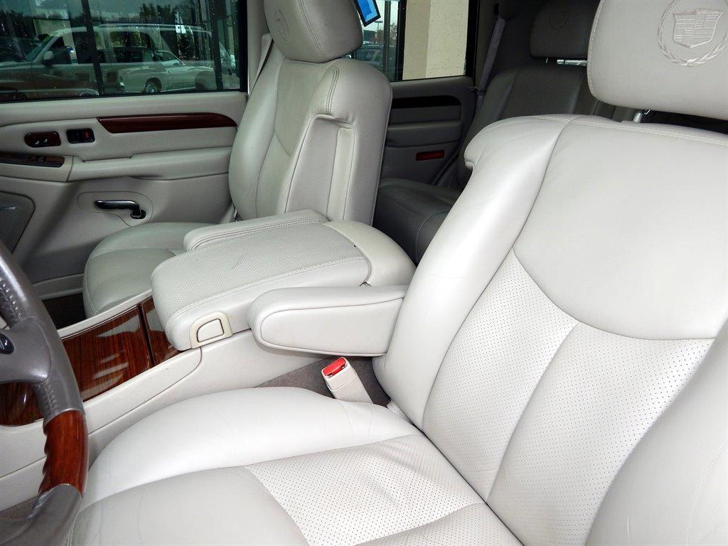 2004 Cadillac Escalade AWD 4dr SUV - Kansas City MO
