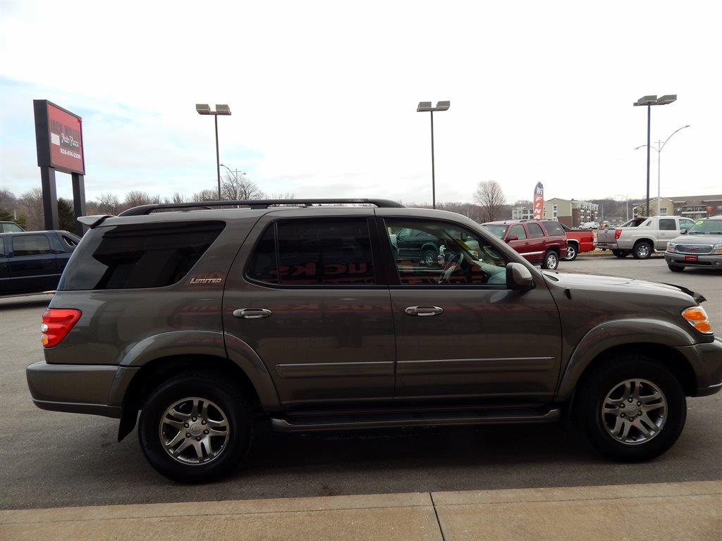 2004 Toyota Sequoia Limited 4WD 4dr SUV - Kansas City MO