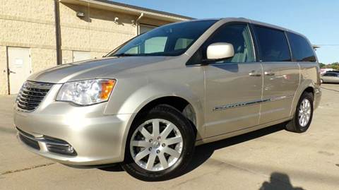 2014 Chrysler Town and Country for sale in Hudson, OH
