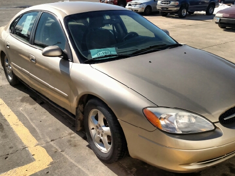 2000 Ford Taurus for sale in Yankton, SD