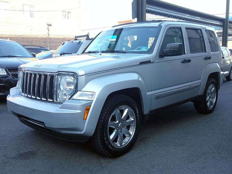 jeep liberty for sale in brooklyn ny. Black Bedroom Furniture Sets. Home Design Ideas